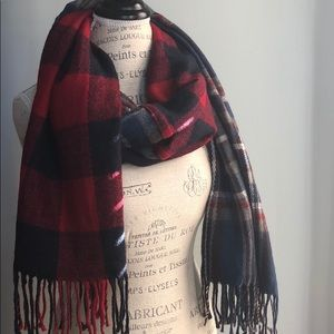 14th and Union blanket scarf